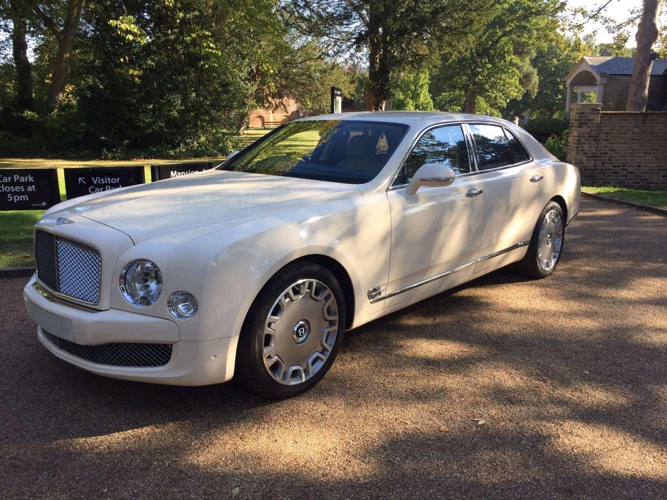 Bentley Mulsanne In White With Cream Leather Interior Gold Wedding Cars Wedding Car Hire Wedding Cars London Wedding Cars Bedford Wedding Cars Milton Keynes Classic Car