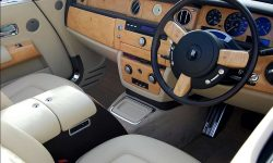 Rolls Royce Phantom Convertible in Corniche White (Front interior)
