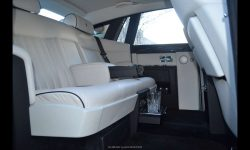 Rolls Royce Phantom Limousine in Silver with Seashell White leather interior (interior 1)