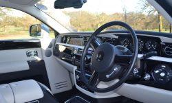 Silver RR Phantom interior (front)